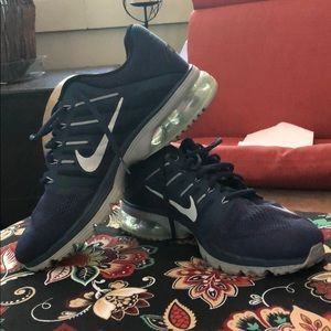 2015 Nike Excellerate 4 | Barely Worn | Size 11